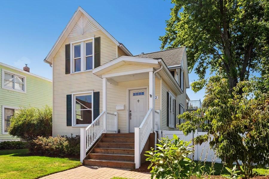 Real Estate Photography - 402 Archer, St. Joseph, MI, 49085 - Front View