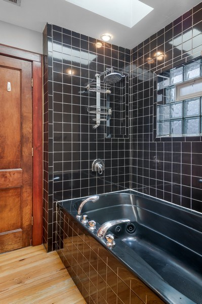 Real Estate Photography - 949 W. Huron St., Chicago, IL, 60642 - Master Bathroom