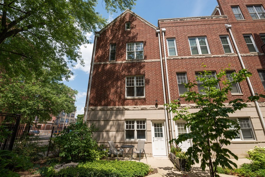 Real Estate Photography - 3959 N Hermitage, Chicago, IL, 60613 - Front View