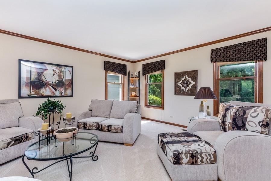 Real Estate Photography - 5175 Thornbark, Hoffman Estates, IL, 60010 - Living Room