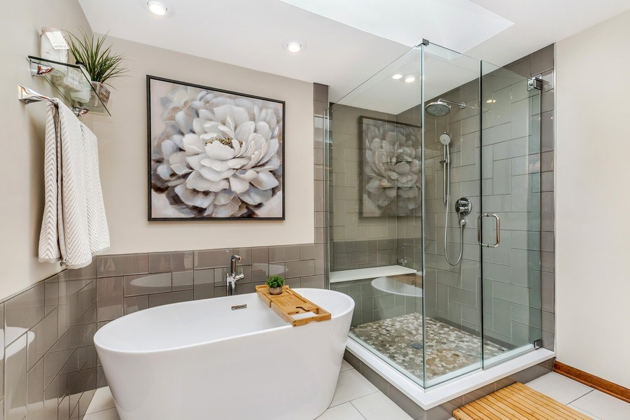 Real Estate Photography - 5175 Thornbark, Hoffman Estates, IL, 60010 - Master Bathroom