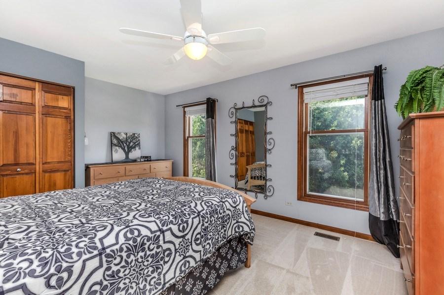 Real Estate Photography - 5175 Thornbark, Hoffman Estates, IL, 60010 - 2nd Bedroom