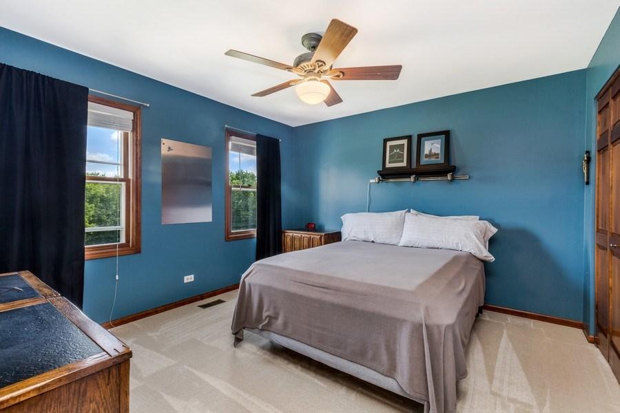 Real Estate Photography - 5175 Thornbark, Hoffman Estates, IL, 60010 - 4th Bedroom