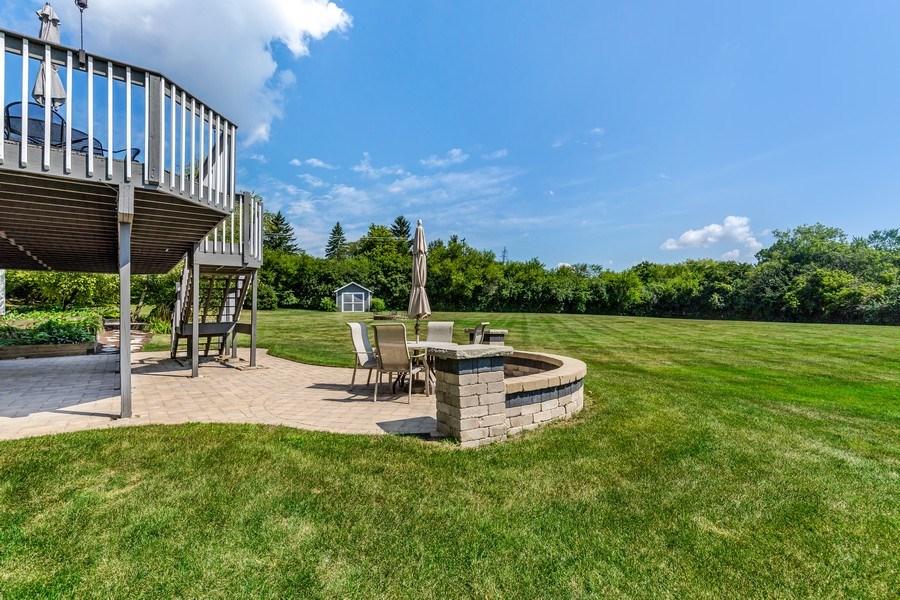 Real Estate Photography - 5175 Thornbark, Hoffman Estates, IL, 60010 - Back Yard