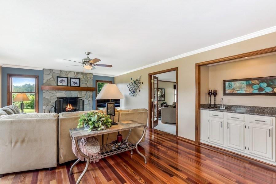 Real Estate Photography - 5175 Thornbark, Hoffman Estates, IL, 60010 - Family Room