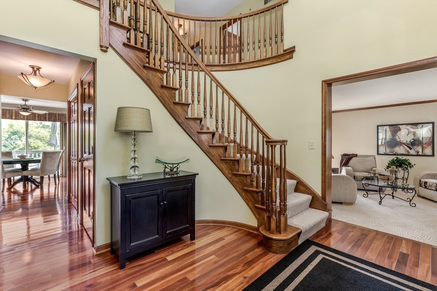 Real Estate Photography - 5175 Thornbark, Hoffman Estates, IL, 60010 - Foyer