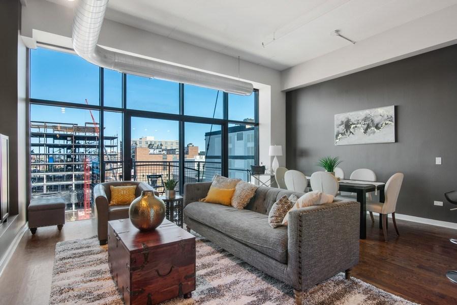 Real Estate Photography - 1224 W Van Buren, Apt 623, Chicago, IL, 60607 - Living Room