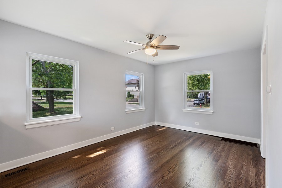 Real Estate Photography - 139 S Pine, Arlington Heights, IL, 60005 - Living Room
