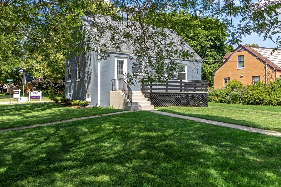 Real Estate Photography - 139 S Pine, Arlington Heights, IL, 60005 - Rear View