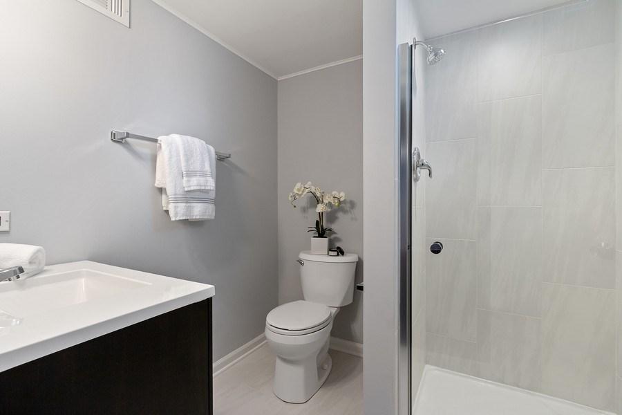 Real Estate Photography - 139 S Pine, Arlington Heights, IL, 60005 - Half Bath