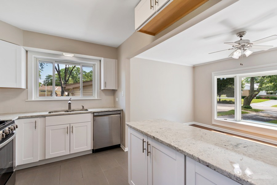 Real Estate Photography - 665 E Clarendon Ct, Arlington Heights, IL, 60004 - Kitchen