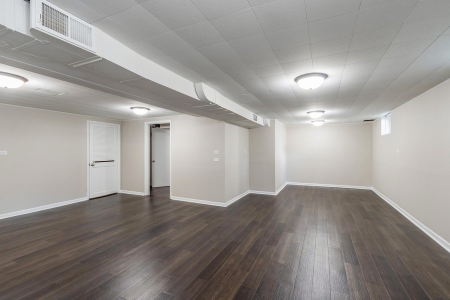 Real Estate Photography - 665 E Clarendon Ct, Arlington Heights, IL, 60004 - Basement