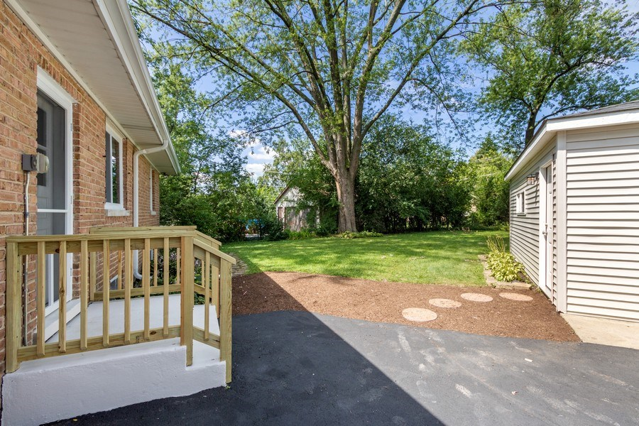 Real Estate Photography - 665 E Clarendon Ct, Arlington Heights, IL, 60004 - Back Yard