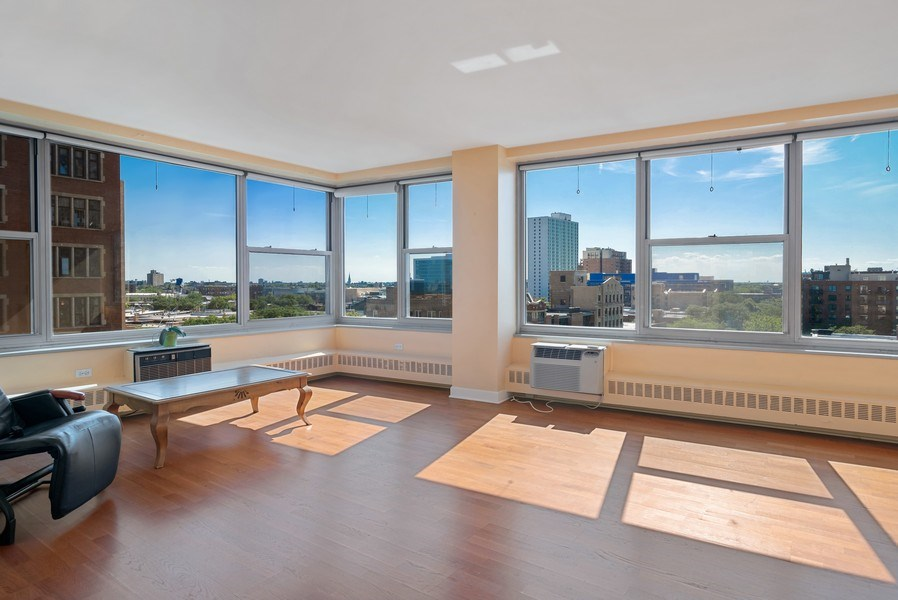 Real Estate Photography - 3900 N Lake Shore Drive, Unit 10E, Chicago, IL, 60613 - Living Room