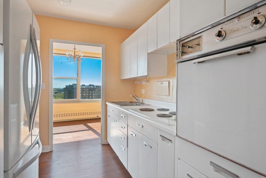 Real Estate Photography - 3900 N Lake Shore Drive, Unit 10E, Chicago, IL, 60613 - Kitchen