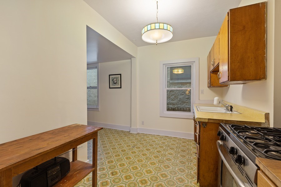 Real Estate Photography - 1623 W Estes Ave, Chicago, IL, 60626 - Kitchen