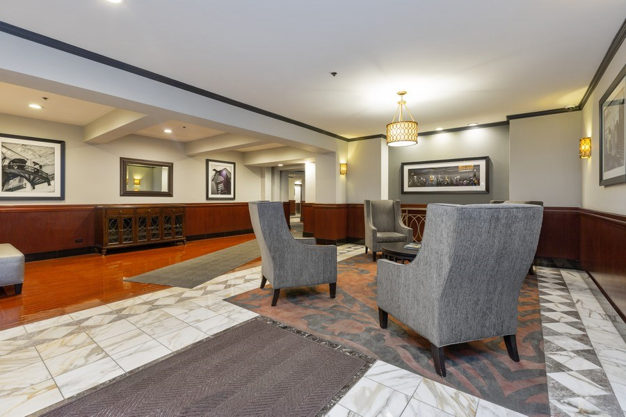 Real Estate Photography - 40 East 9th St, Unit 1314, Chicago, IL, 60605 - Lobby