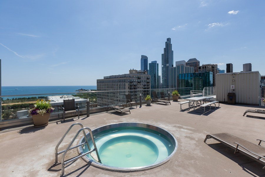 Real Estate Photography - 40 East 9th St, Unit 1314, Chicago, IL, 60605 - Roof