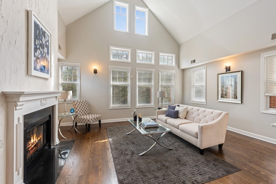 Real Estate Photography - 2632 N Wayne Ave, Unit 3, Chicago, IL, 60614 - Great Room