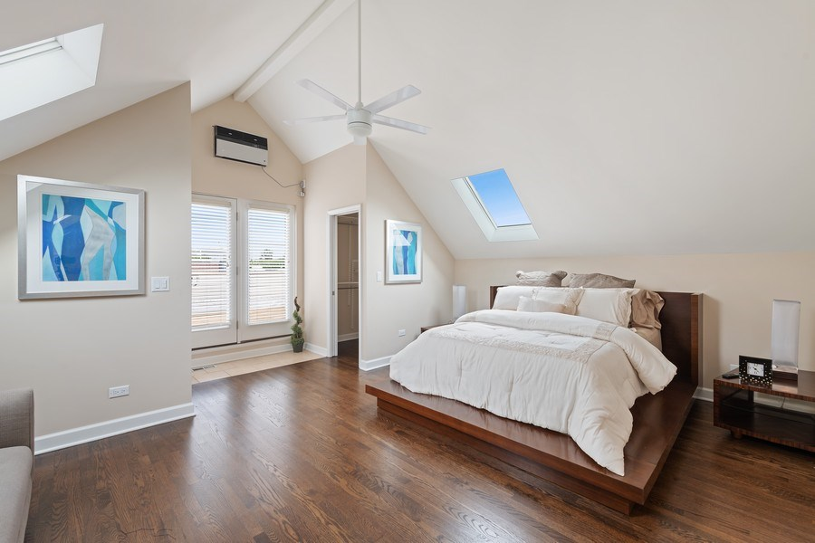 Real Estate Photography - 2632 N Wayne Ave, Unit 3, Chicago, IL, 60614 - Master Bedroom