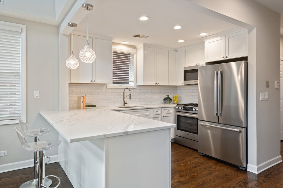 Real Estate Photography - 2632 N Wayne Ave, Unit 3, Chicago, IL, 60614 - Kitchen
