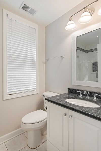 Real Estate Photography - 2632 N Wayne Ave, Unit 3, Chicago, IL, 60614 - 3rd Bathroom