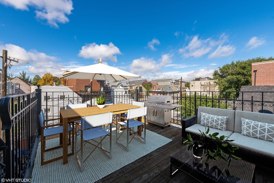 Real Estate Photography - 2632 N Wayne Ave, Unit 3, Chicago, IL, 60614 -