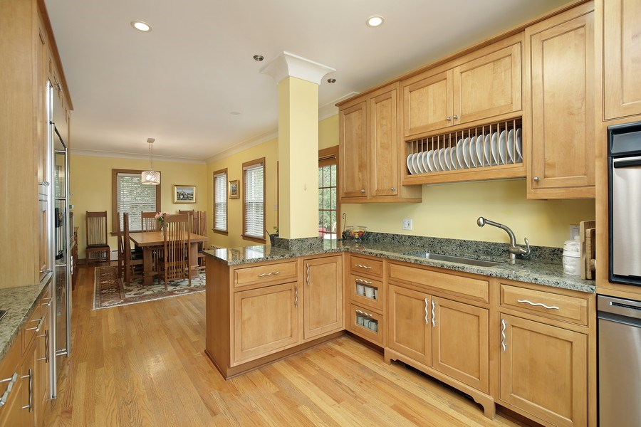 Real Estate Photography - 399 Jackson, Glencoe, IL, 60022 - Kitchen open to eating area/dining room area