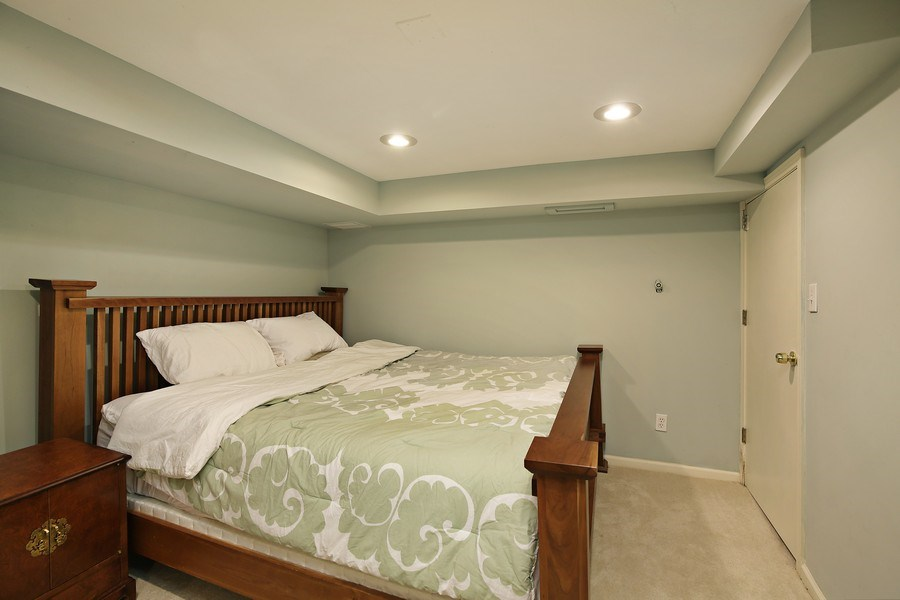Real Estate Photography - 399 Jackson, Glencoe, IL, 60022 - Lower Level Bedroom