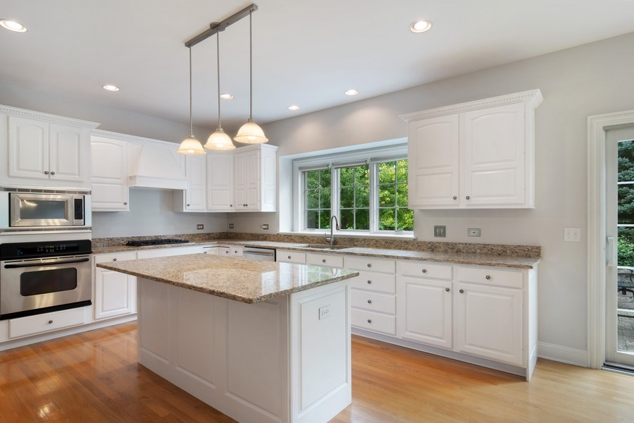 Real Estate Photography - 28385 W Harvest Glen Cir, Cary, IL, 60013 - Kitchen