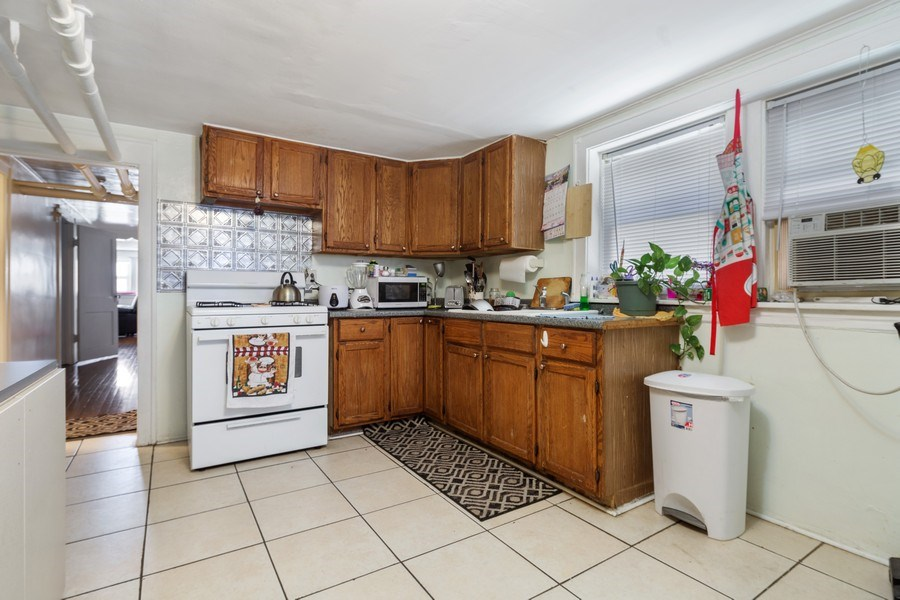 Real Estate Photography - 3624 Wisconsin Ave, Berwyn, IL, 60402 - Lower Level