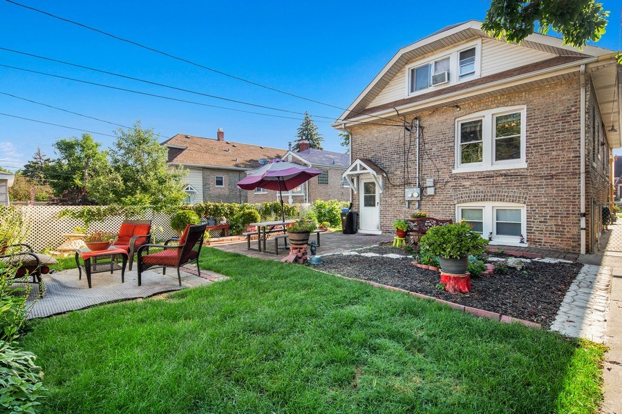 Real Estate Photography - 3624 Wisconsin Ave, Berwyn, IL, 60402 - Back Yard