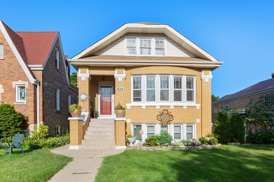 Real Estate Photography - 3624 Wisconsin Ave, Berwyn, IL, 60402 - Front View