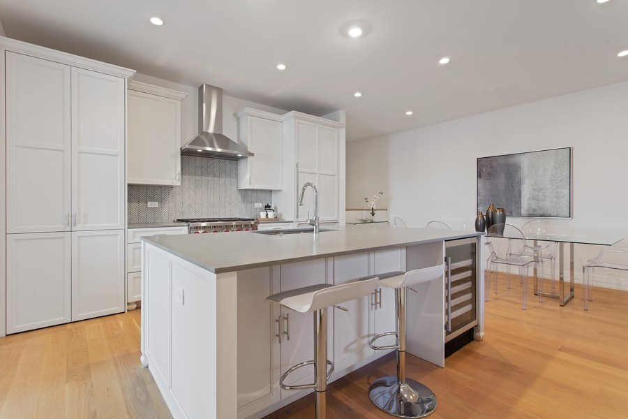 Real Estate Photography - 445 W. Arlington Pl., 1W, Chicago, IL, 60614 - Kitchen