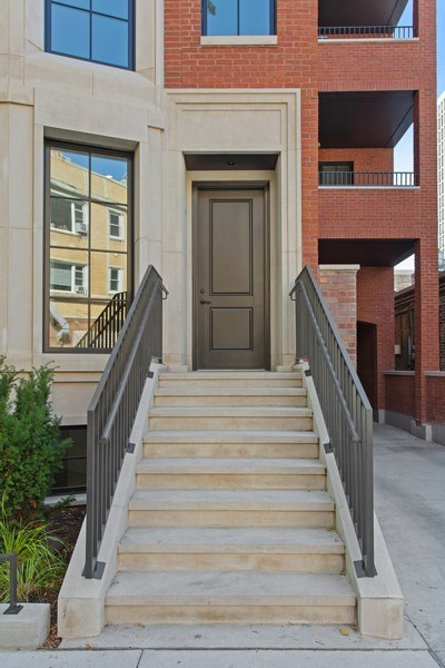 Real Estate Photography - 445 W. Arlington Pl., 1W, Chicago, IL, 60614 - Front View