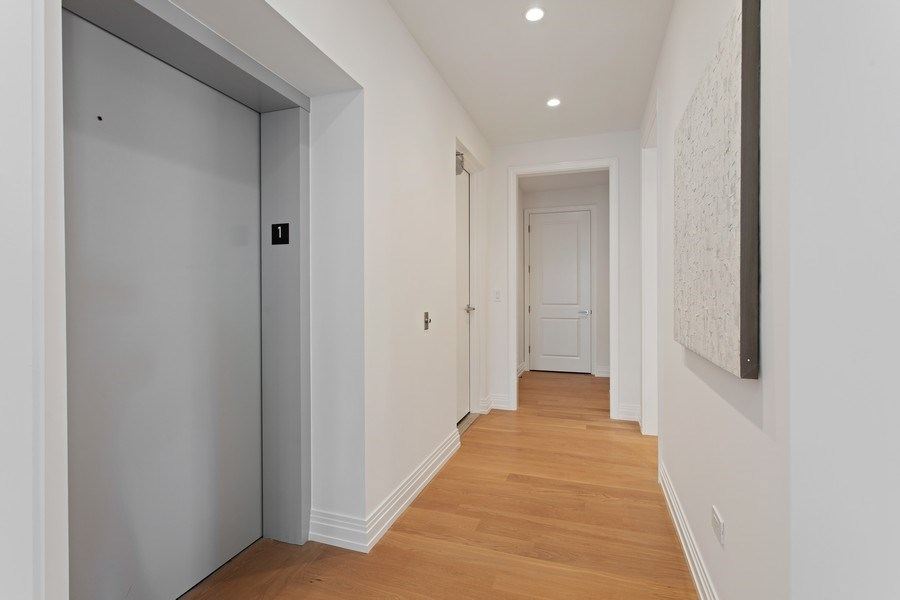 Real Estate Photography - 445 W. Arlington Pl., 1W, Chicago, IL, 60614 - Hallway