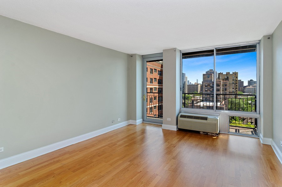 Real Estate Photography - 450 W Briar Pl, Unit 10k, Chicago, IL, 60657 - Living Room