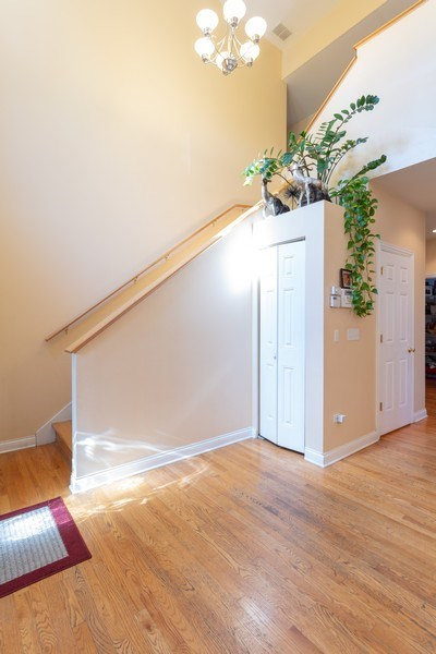 Real Estate Photography - 515 LaPorte Ave, Northlake, IL, 60164 - Entryway