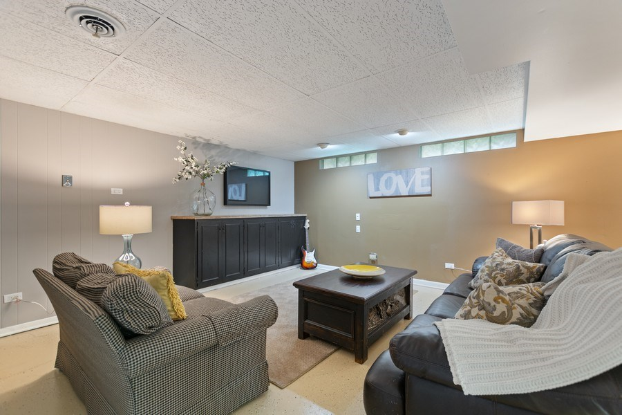 Real Estate Photography - 12533 69th Court, Palos Heights, IL, 60463 - Family Room