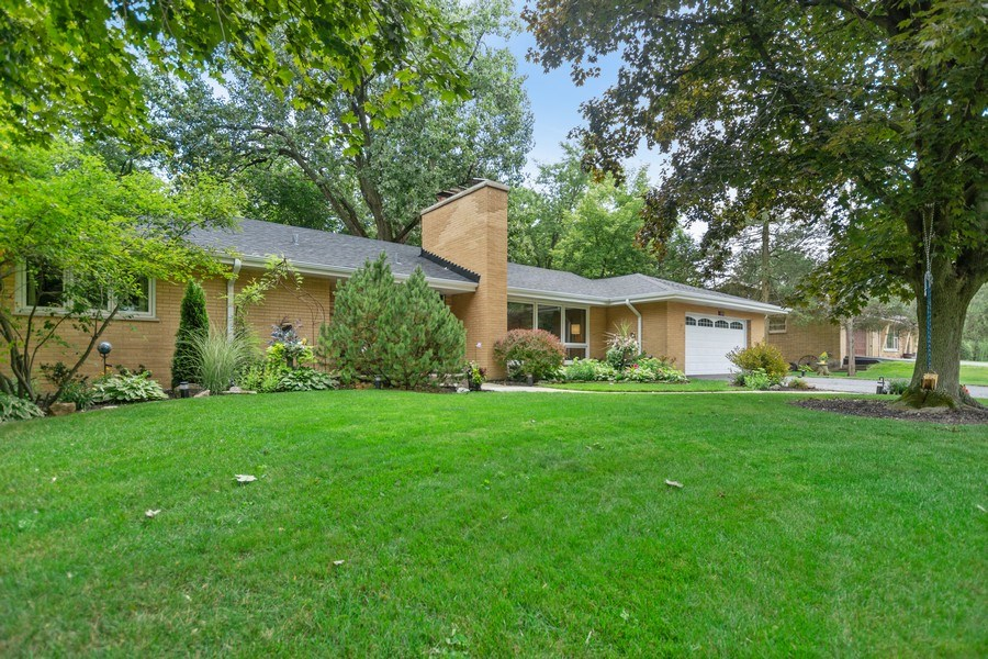 Real Estate Photography - 12533 69th Court, Palos Heights, IL, 60463 - Front View