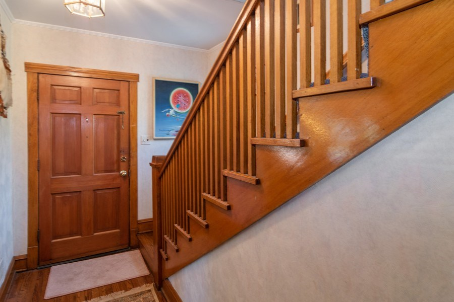 Real Estate Photography - 432 Selborne Rd, Riverside, IL, 60546 - Foyer