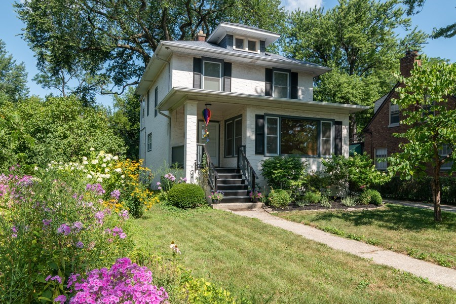 Real Estate Photography - 432 Selborne Rd, Riverside, IL, 60546 - Front View