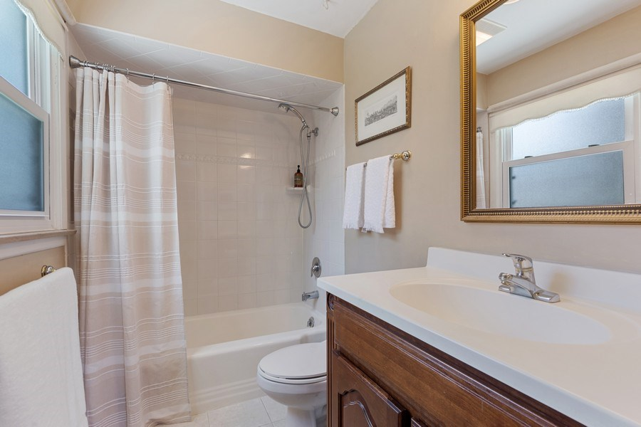 Real Estate Photography - 1307 Cottonwood, Arlington Heights, IL, 60005 - Master Bathroom