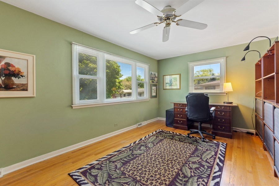 Real Estate Photography - 1307 Cottonwood, Arlington Heights, IL, 60005 - 2nd Bedroom