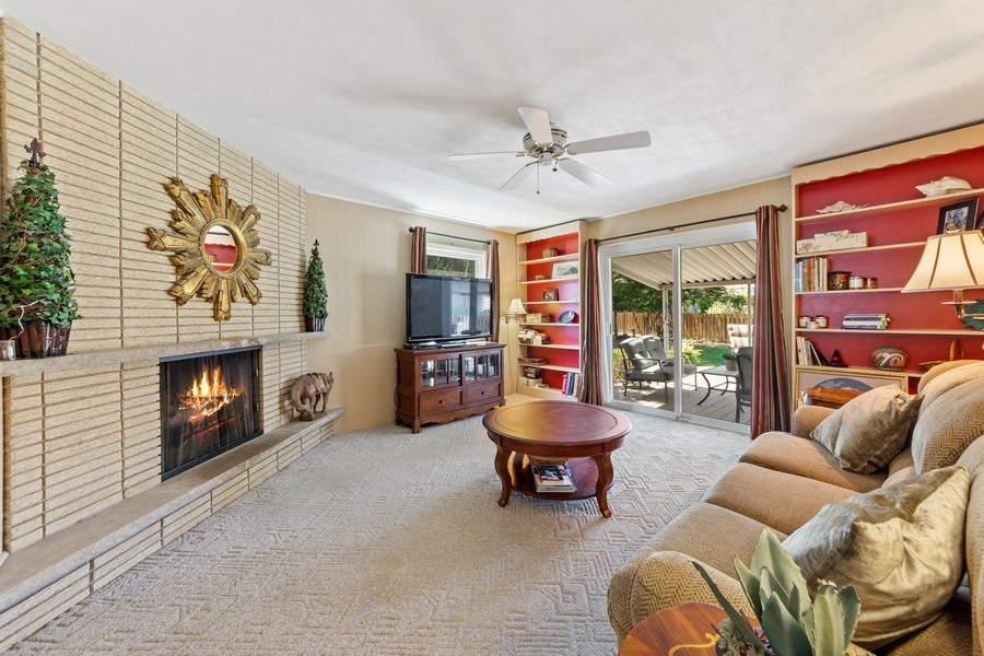 Real Estate Photography - 1307 Cottonwood, Arlington Heights, IL, 60005 - Family Room