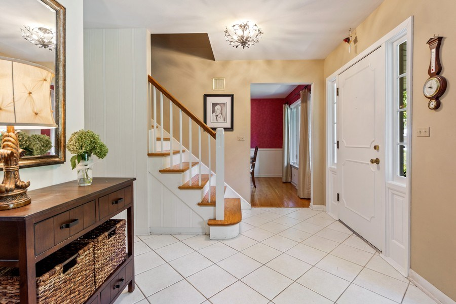 Real Estate Photography - 1307 Cottonwood, Arlington Heights, IL, 60005 - Foyer