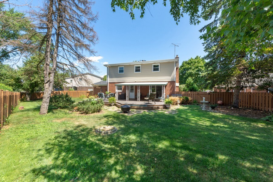 Real Estate Photography - 1307 Cottonwood, Arlington Heights, IL, 60005 - Rear View