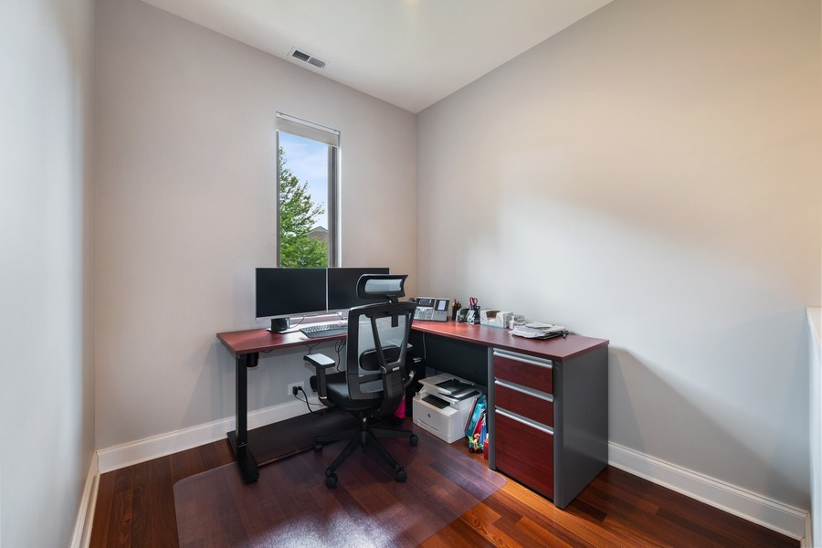 Real Estate Photography - 3417 N Oakley, Chicago, IL, 60657 - Den