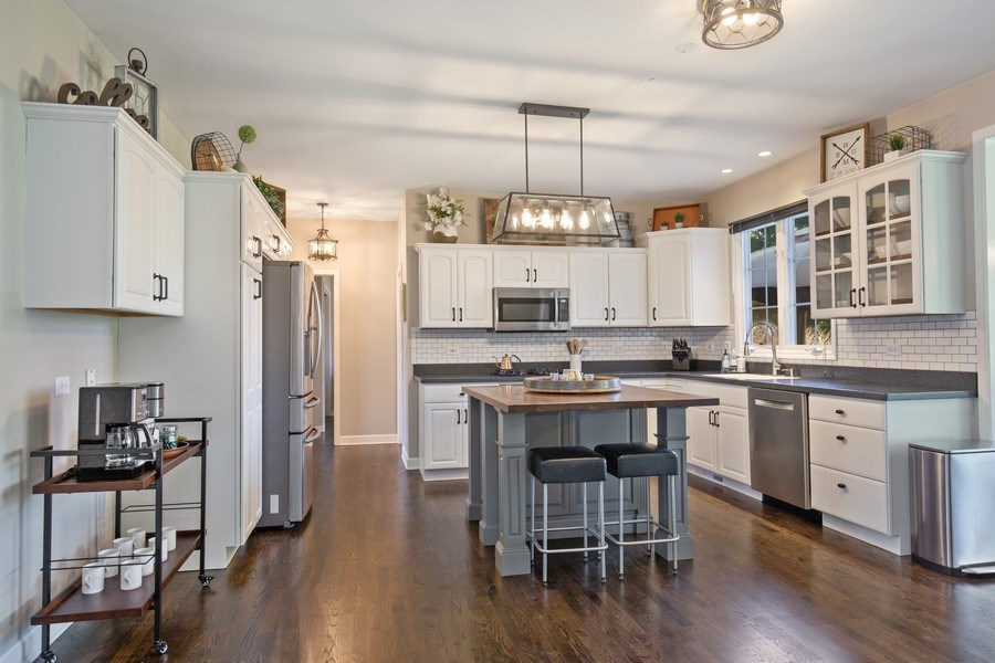 Real Estate Photography - 4N530 School, St. Charles, IL, 60175 - Kitchen