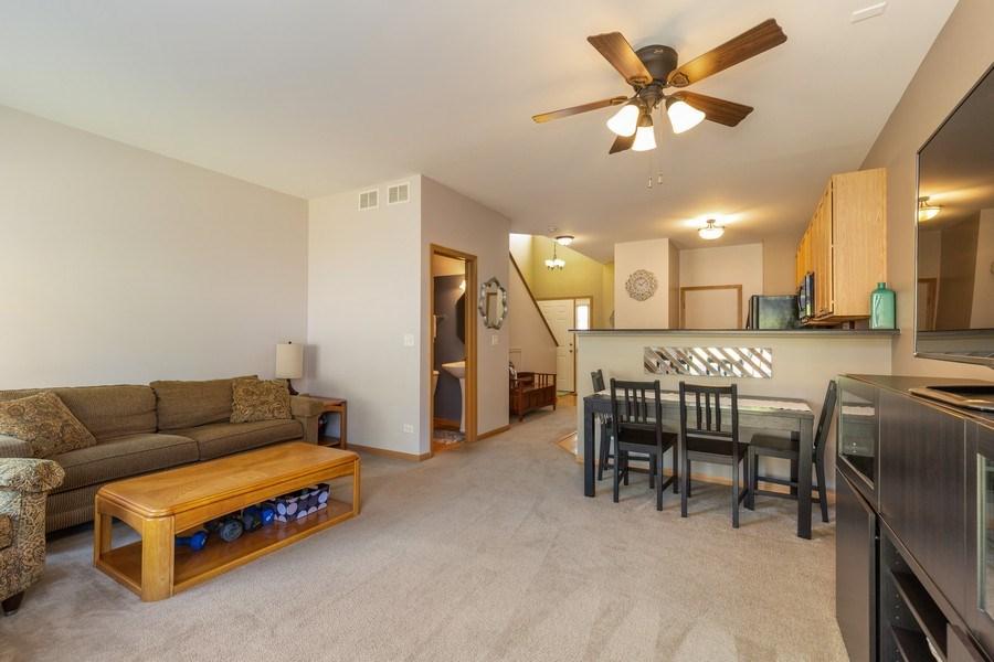 Real Estate Photography - 237 Nicole Dr. Unit D, South Elgin, IL, 60177 - Living Room